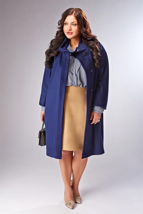 Осеннее пальто для женщин 50 лет. Стильные пальто для полных женщин