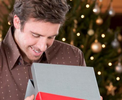 Что подарить зятю на Новый год необычное и недорогое. Варианты практичных подарков