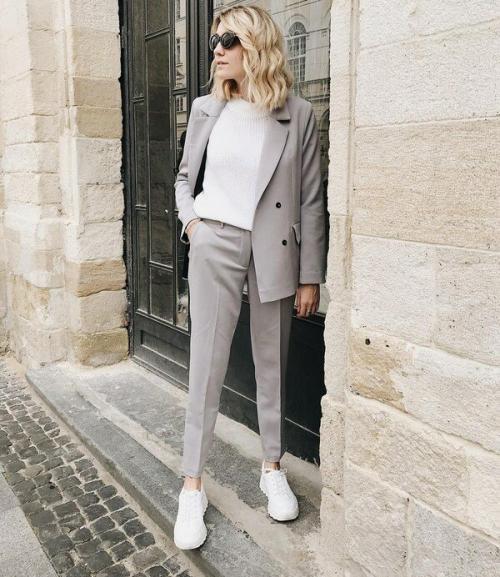 Как одеться стильно и модно женщине 2019. Какими будут модные женские деловые костюмы 2019-2020