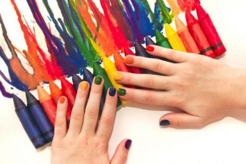 Какой цвет на коротких ногтях смотрится. Как выбрать лак для коротких ногтей: 5 главных правил