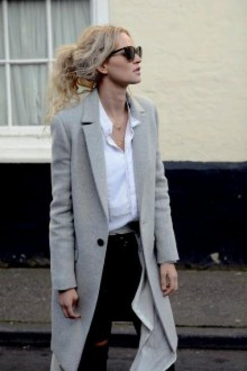 С чем носить серое пальто до колена. Безупречные оттенки серого в моделях женских пальто