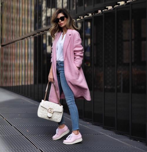 Что носить с джинсами женщинам 40 лет. С чем носить узкие джинсы джинсы женщинам в 40-50 лет весной и летом