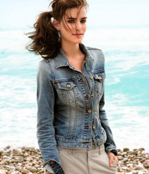 Женские джинсовые куртки. Джинсовые куртки женские — популярные дизайнерские легкие и утепленные варианты (50 фото-идей)
