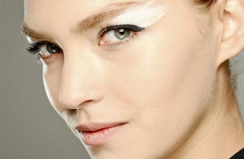 Белые тени макияж. Как использовать белые тени