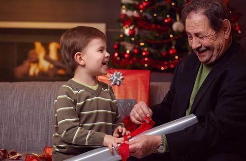 Подарок на Рождество ребенку. Что можно подарить детям на Рождество 2020
