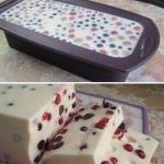 Творожный десерт с ягодами (творожный торт - желе).