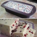 Сметанный десерт с ягодами (сметанный торт - желе).