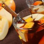 Имбирный чай с яблоками.