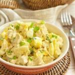 Невероятный салатик с курицей и ананасом: легкий ужин!