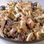 Салат из кальмаров с грибами: белковый заряд!