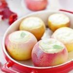 Печеные яблоки с творогом.
