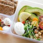 Чтобы обмен веществ был хорошим, а похудение и здоровье было стабильным стоит кушать в день примерно 1200 ккал.