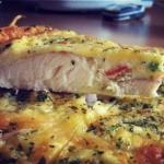 Рыба, запеченная в яйце со сметаной.