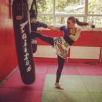А вы знали, что в клубах фитнес хаус есть групповые тренировки, по ставшему очень модным, тайскому боксу?