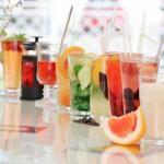 Пить обязательно!   1. вода: выводит токсины, поддерживает работу желудка, положительно влияет на состояние сосудов и суставов.