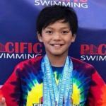 10-Летний супермен Кларк Кент побил рекорд 23-кратного олимпийского чемпиона по плаванию Майкла фелпса.
